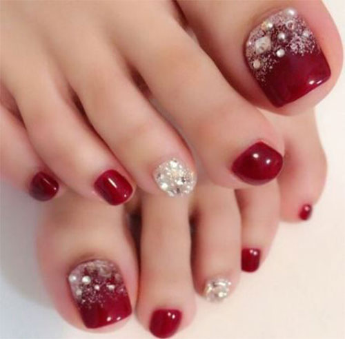 Christmas-Toe-Nail-Art-Designs-2019-Xmas-Nails-10
