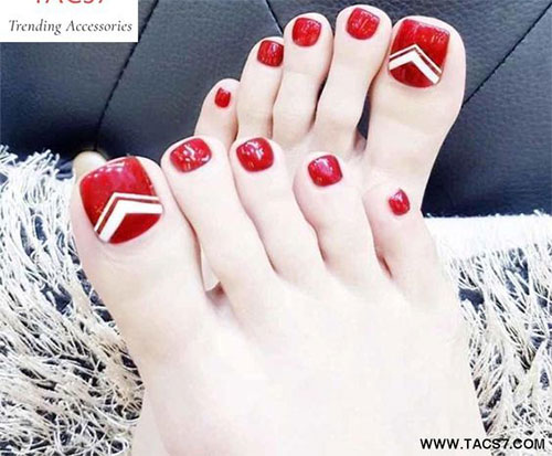 Christmas-Toe-Nail-Art-Designs-2019-Xmas-Nails-12