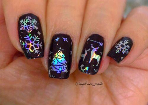 Christmas-Tree-Nail-Art-Designs-2019-Holiday-Nails-4