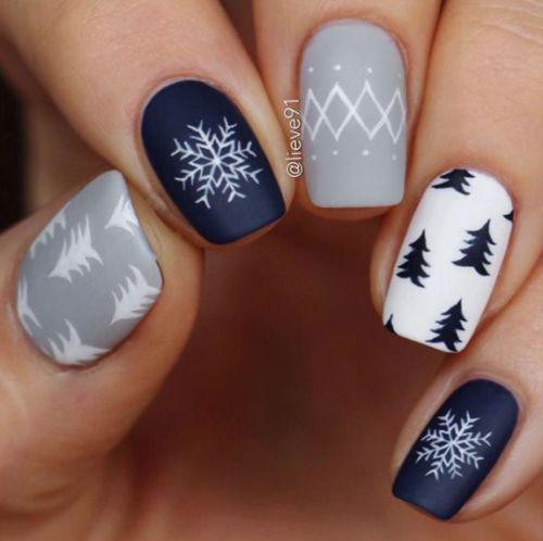 Christmas-Tree-Nail-Art-Designs-2019-Holiday-Nails-9