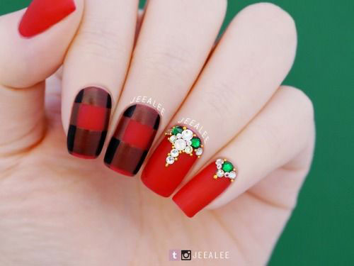 Cute-Simple-Easy-Christmas-Nails-Art-Designs-2019-3