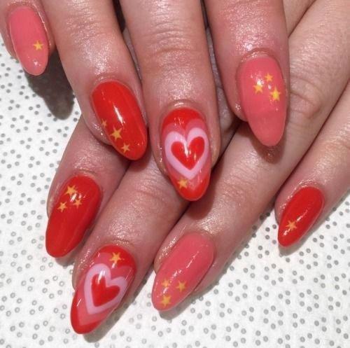 15-Valentine's-Day-Acrylic-Nail-Art-Designs-2020-11