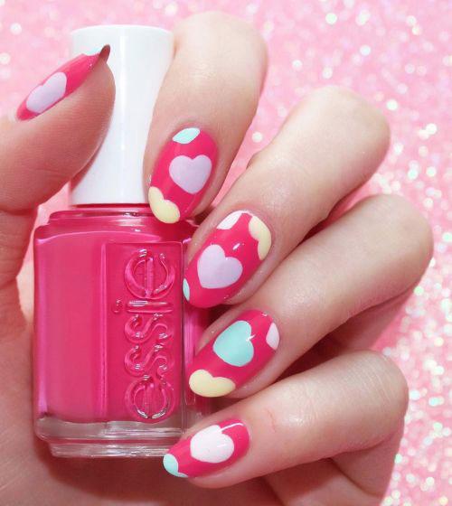 50-Valentine's-Day-Nail-Art-Designs-Ideas-Trends-2020-14