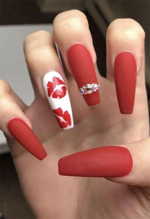 Coffin-Valentine's-Day-Nail-Art-Designs-2020-Vday-Nails-7