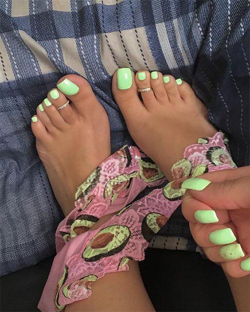 Summer-Toe-Nails-Art-Designs-Ideas-2020-18
