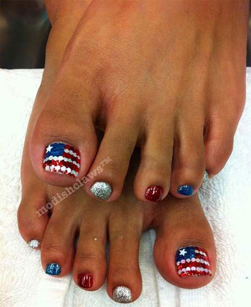 4th-of-July-Toe-Nails-Art-Designs-2020-5