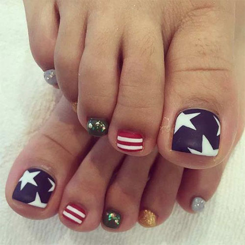 4th-of-July-Toe-Nails-Art-Designs-2020-6