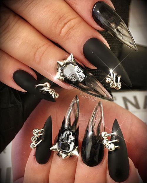 15-Scary-3d-Halloween-Nail-Art-Ideas-2020-11