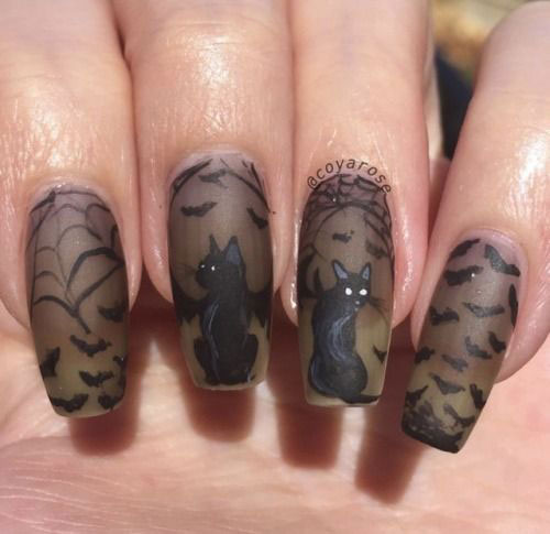 20-Halloween-Spooky-Bat-Nail-Art-Ideas-2020-11