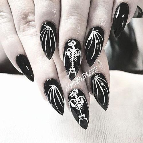 20-Halloween-Spooky-Bat-Nail-Art-Ideas-2020-12