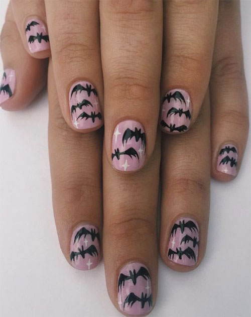 20-Halloween-Spooky-Bat-Nail-Art-Ideas-2020-15