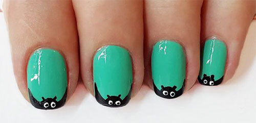20-Halloween-Spooky-Bat-Nail-Art-Ideas-2020-16