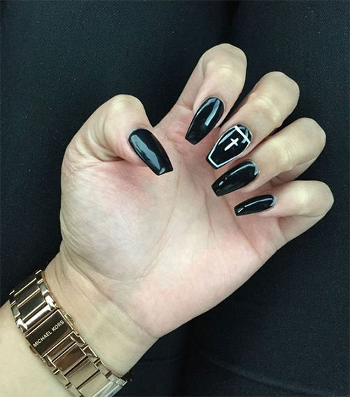 Black-Halloween-Coffin-Nail-Art-Designs-2020-14
