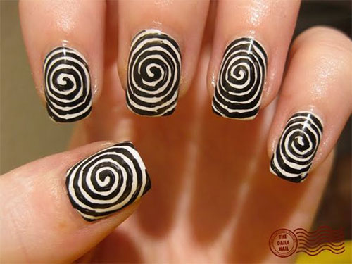 Creepy-Scary-Halloween-Nail-Art-2020-12