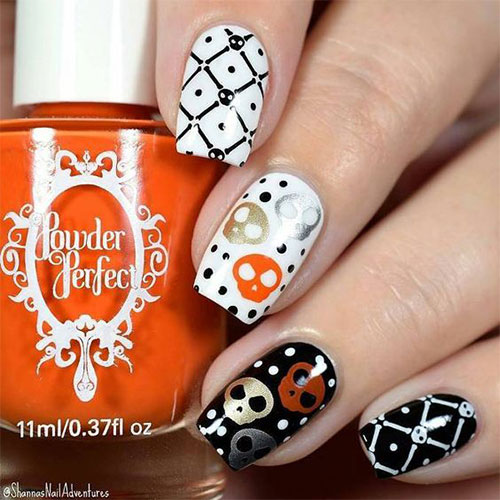 Creepy-Scary-Halloween-Nail-Art-2020-15
