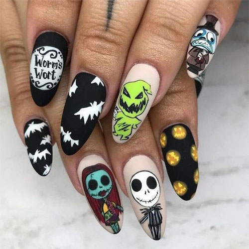 Creepy-Scary-Halloween-Nail-Art-2020-4