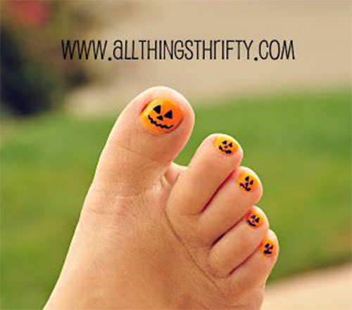 Halloween-Toe-Nail-Art-Designs-2020-13