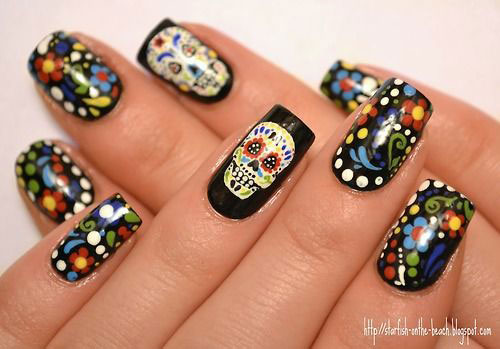 Sugar-Skull-Nail-Art-Designs-2020-Halloween-Nails-14
