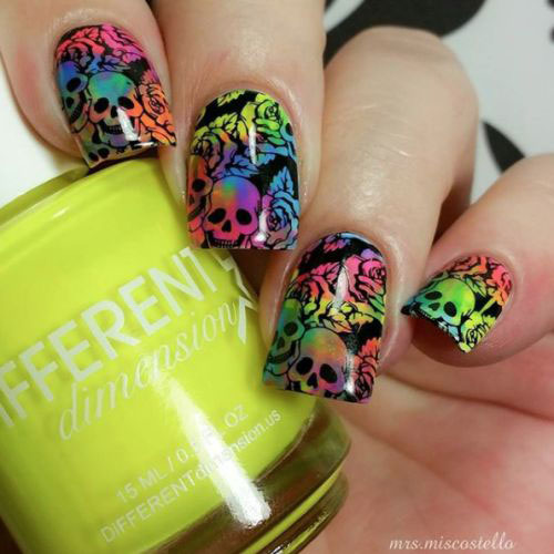 Sugar-Skull-Nail-Art-Designs-2020-Halloween-Nails-15
