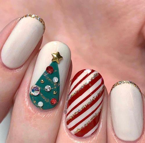 Christmas-3d-Nail-Art-2020-Classy-Christmas-Nails-13