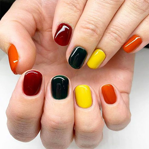 Easy-Simple-Thanksgiving-Nail-Art-2020-9