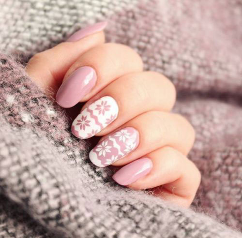 Ugly-Christmas-Sweater-Nail-Art-Designs-2020-December-Nails-15