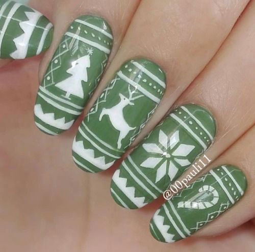 Ugly-Christmas-Sweater-Nail-Art-Designs-2020-December-Nails-6
