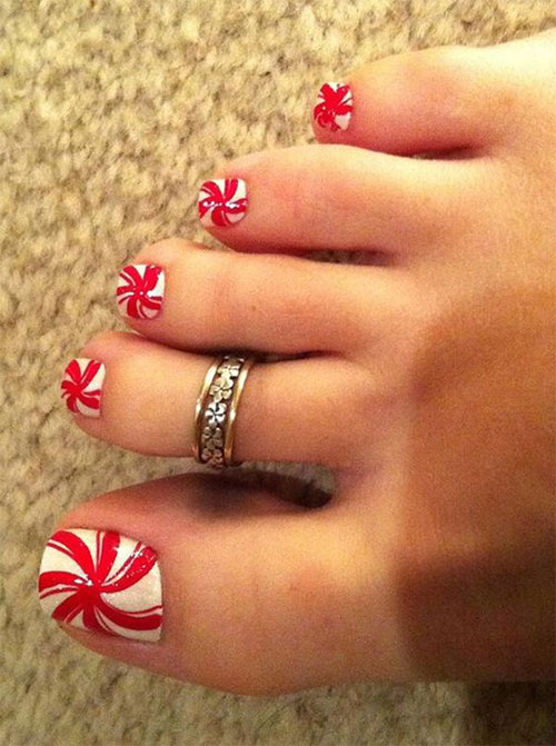 Christmas-Toe-Nail-Art-Designs-2020-Xmas-Nails-14