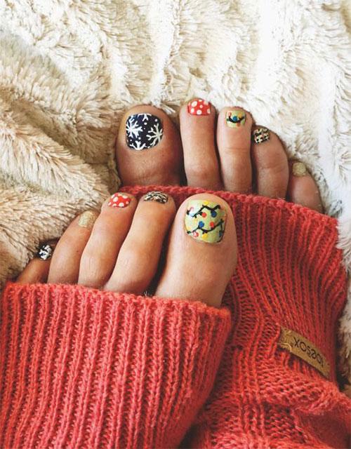 Christmas-Toe-Nail-Art-Designs-2020-Xmas-Nails-5