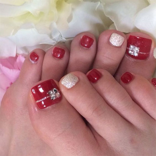Christmas-Toe-Nail-Art-Designs-2020-Xmas-Nails-7