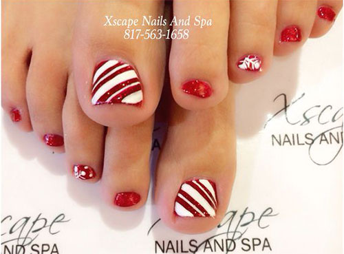 Christmas-Toe-Nail-Art-Designs-2020-Xmas-Nails-9