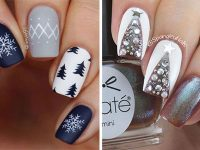 Christmas-Tree-Nail-Art-Ideas-2020-December-Nails-F