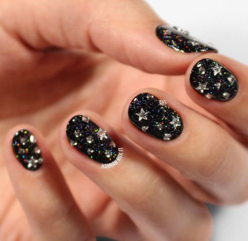 Best-Happy-New-Year-Eve-Nail-Art-Designs-2021-19