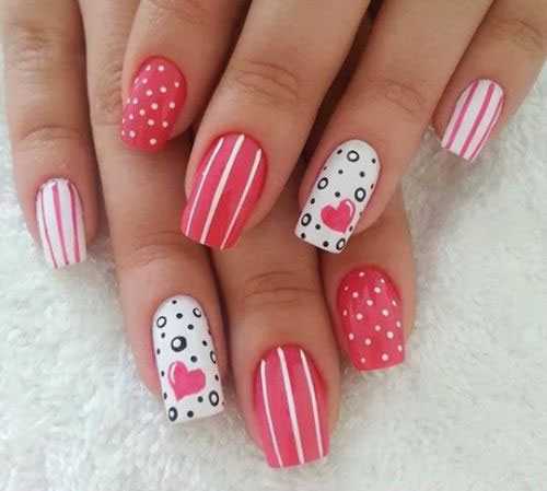 15-Valentine's-Day-Heart-Nail-Art-Designs-2021-11