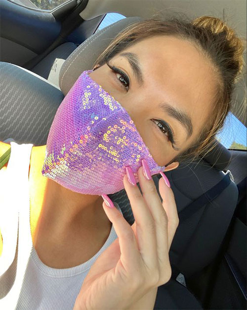 Matching-Nail-Art-With-Face-Mask-Is-New-Coolest-Trend-2021-12