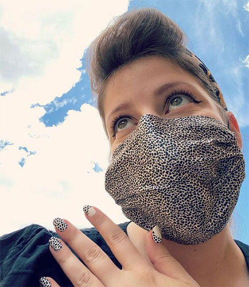 Matching-Nail-Art-With-Face-Mask-Is-New-Coolest-Trend-2021-13