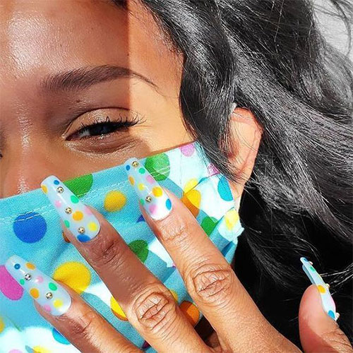 Matching-Nail-Art-With-Face-Mask-Is-New-Coolest-Trend-2021-2