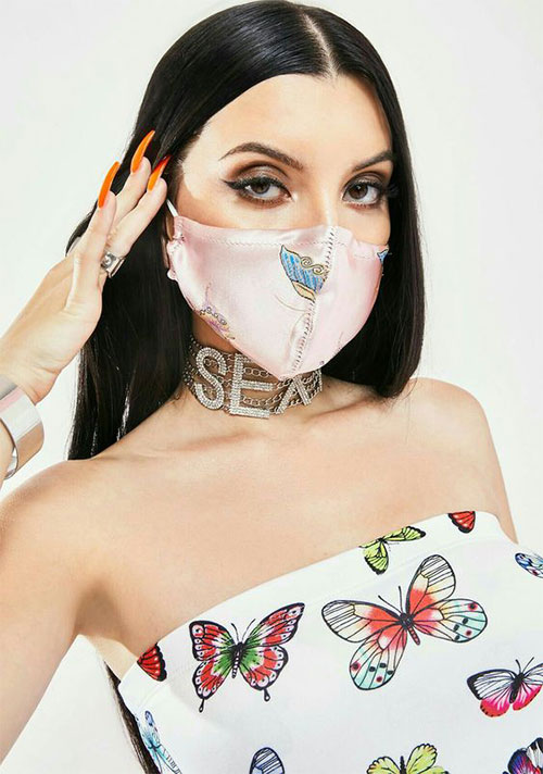 Matching-Nail-Art-With-Face-Mask-Is-New-Coolest-Trend-2021-4
