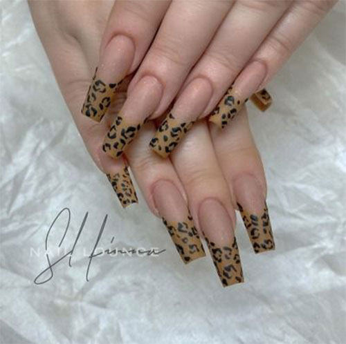 15-Animal-Print-Nail-Art-Trends-2021-Animal-Themed-Nails-6
