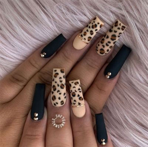 15-Animal-Print-Nail-Art-Trends-2021-Animal-Themed-Nails-8