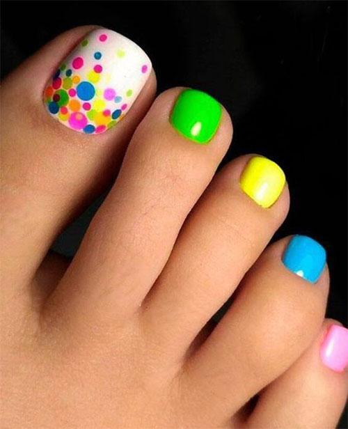 Best-Summer-Toe-Nail-Art-Ideas-2021-14