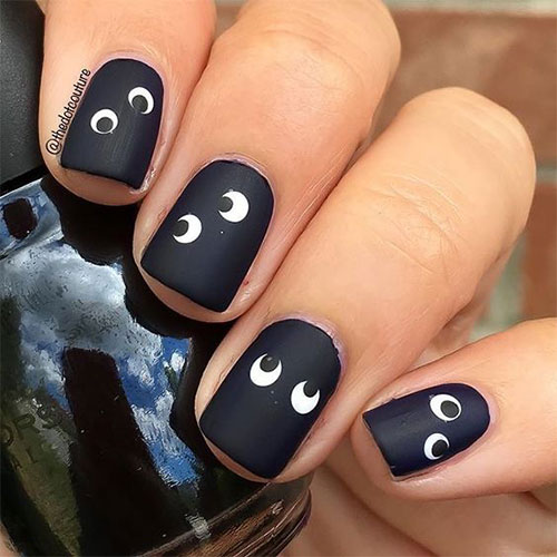 15-Easy-Simple-Halloween-Nail-Art-2021-12